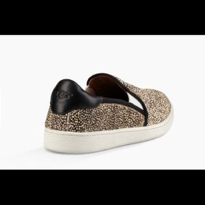 06a2de606ca 🆕Ugg cas exotic athletic slides NWT